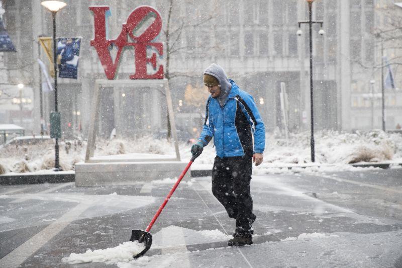 Óriási hóviharok pusztítanak az Egyesült Államokban