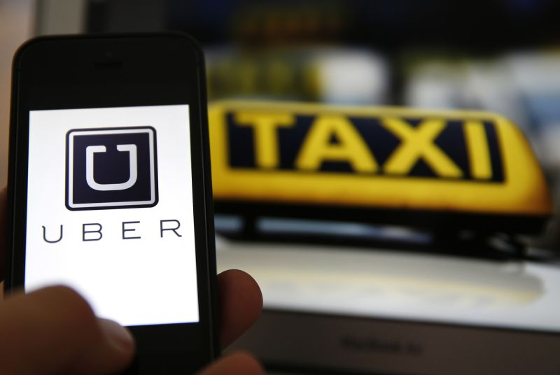 Manipulálja és kiszipolyozza a sofőrjeit a nálunk betiltott Uber