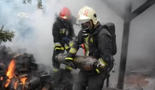 Mint egy akciófilm: így dolgoztak a tűzoltók tavaly – videó