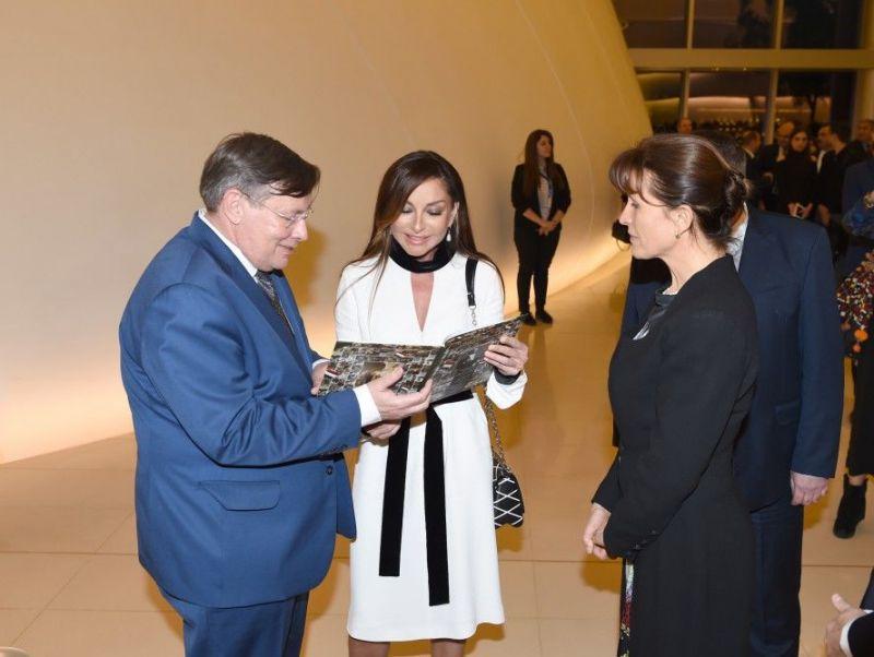 Orbán felesége már megint az azeri diktátor nejével lóg