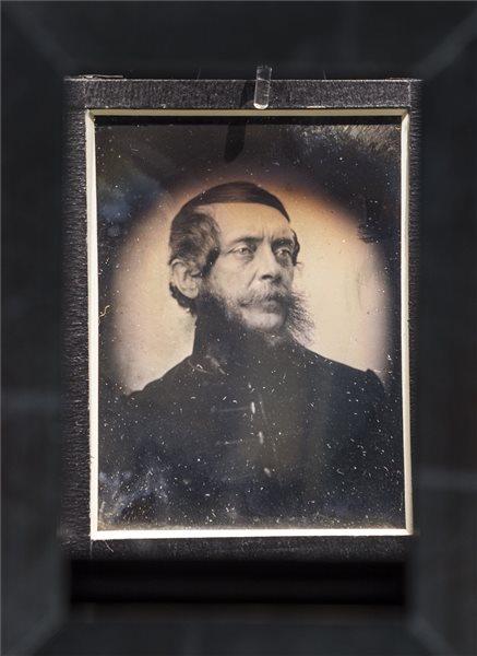 Soha nem látott felvételt állítanak ki Kossuth Lajosról