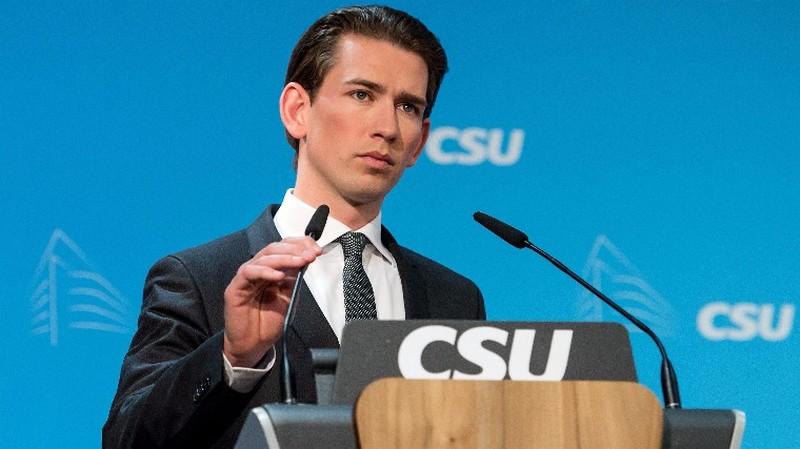 Öt év után folyósítaná a külföldieknek juttatható szociális támogatást az osztrák külügyminiszter