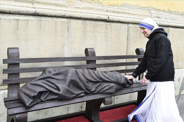 Józsefvárosba került a Hajléktalan Jézus