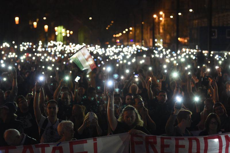 Véget ért a CEU melletti demonstráció Budapesten