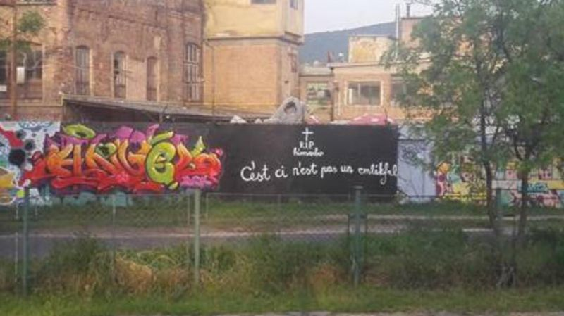 Megpróbálták megmenteni a Bud Spencer-graffitit a rajongók