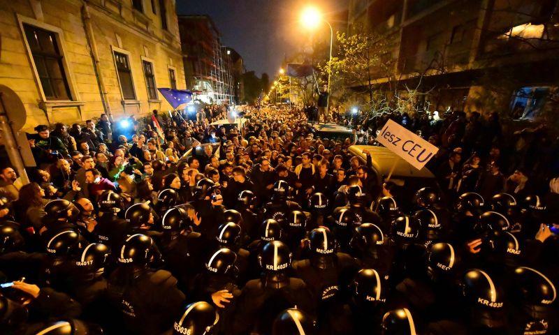 Observer: Orbánékat váratlanul érte a reakció