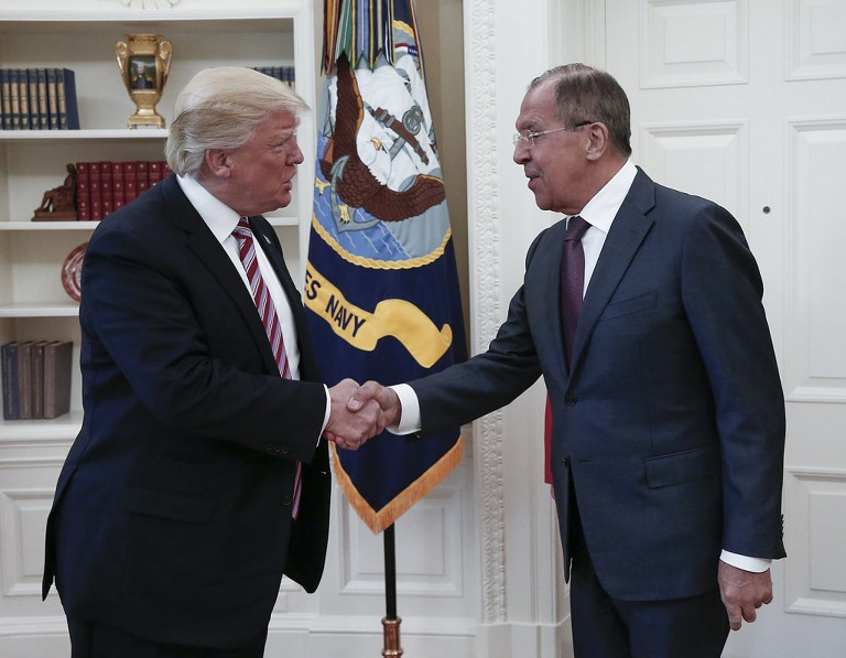 Orosz nyomásra rúghatta ki Trump az FBI igazgatóját