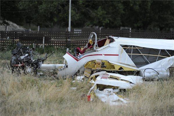 Lezuhant egy repülő Tökölön, ketten meghaltak