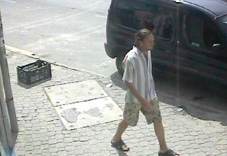 Pakolták az árut, ő meg beült az autóba és elhajtott – a rendőrök keresik