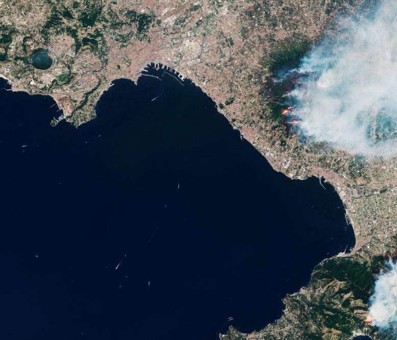 Már a fegyveres erőket is bevetették az erdőtüzek miatt Olaszországban