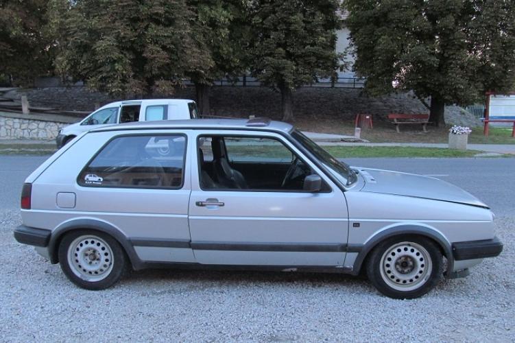 Más volt a kocsi színe, mint ami a forgalmiban szerepelt