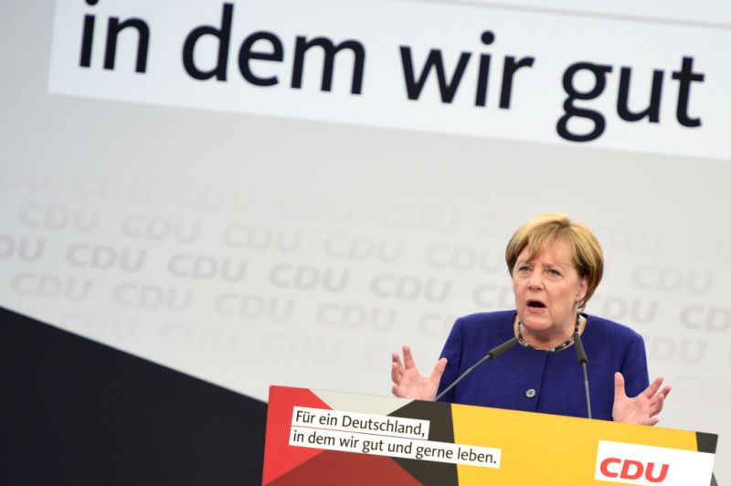 Merkel kampányolás közben beszólt a magyar kormánynak
