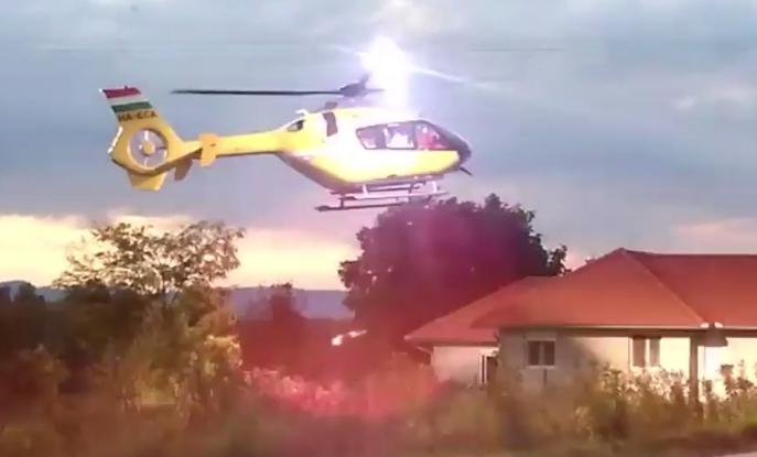 Videón, mikor elszakította a mentőhelikopter a felsővezetéket