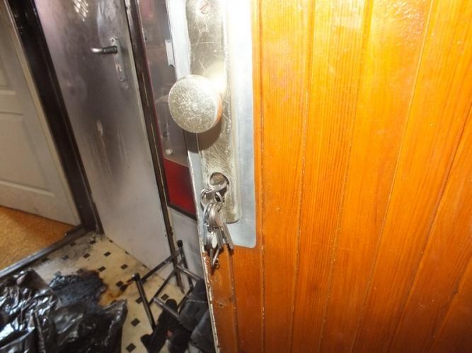 Elkapták a férfit, aki anyjára gyújtotta a lakást – fotók