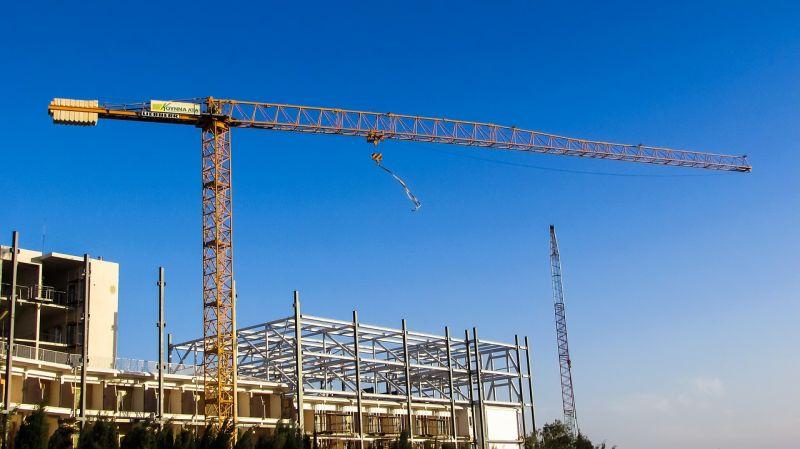Lefújták egy társasház építését Budapesten, mert nincs elég munkás