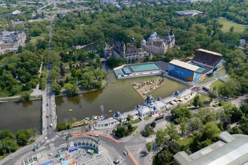 78 millióval fizetnek többet, hogy két héttel korábban bontsák el a vizes vb városligeti helyszínét