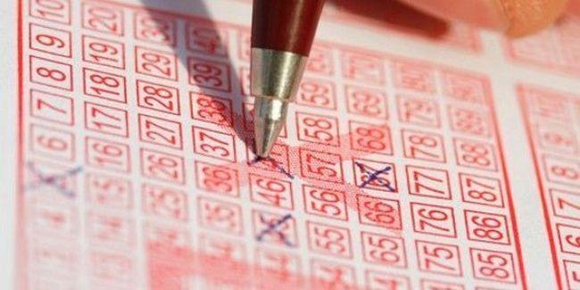 Kihúzták az ötös lottó nyerőszámait – 454 milliót ér a telitalálatos szelvény