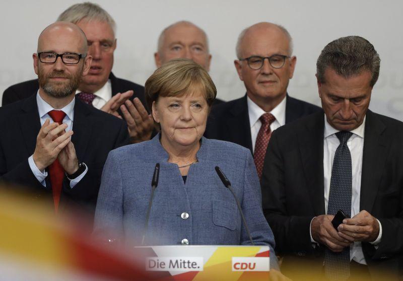 Ellopta a show-t Merkel elől a szélsőjobb – így reagált a világ a győzelemre