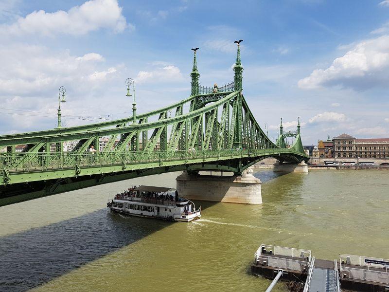 Mutatjuk, melyik két hidat zárják le futóverseny miatt ma a fővárosban, és merre ne menjen