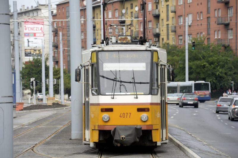 Halálra rémisztette, majd kiröhögte az anyukát a villamosvezető – a BKK kivizsgálja az ügyet
