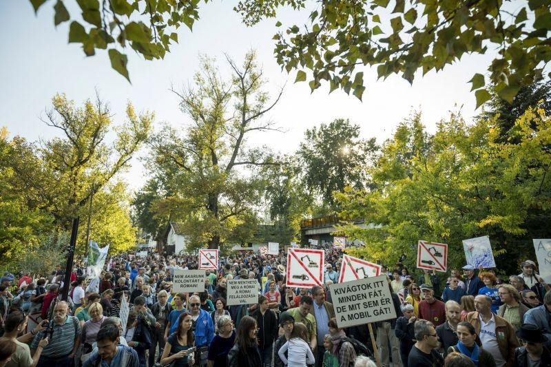 Tarlós nagy dobása: trükkel akadályozza meg a Római-parti népszavazást