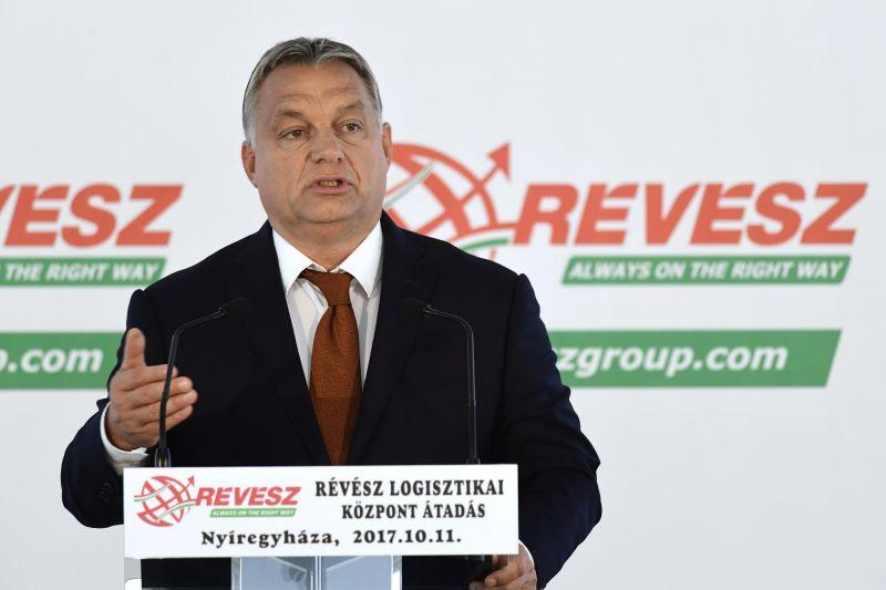 Orbán: Magyarország feltápászkodott, lassan saját lábára áll