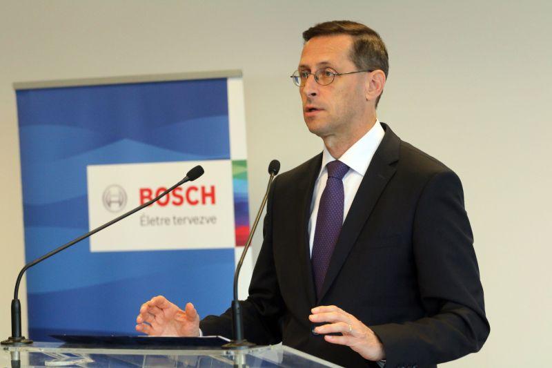 Adókedvezményt jelentett be a gazdasági miniszter