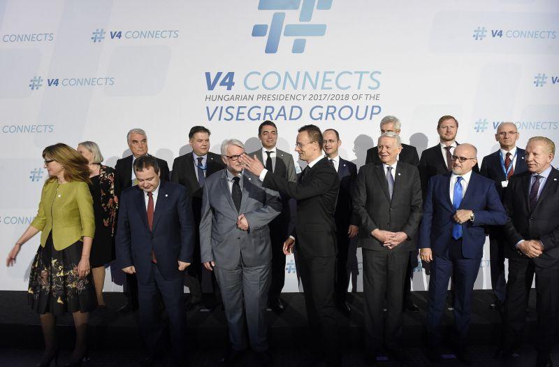 A V4 kiáll az EU bővítése mellett