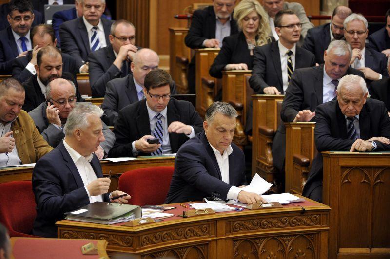 Új pozícióba kerülhet Szijjártó, Matolcsy, Rogán és Varga is