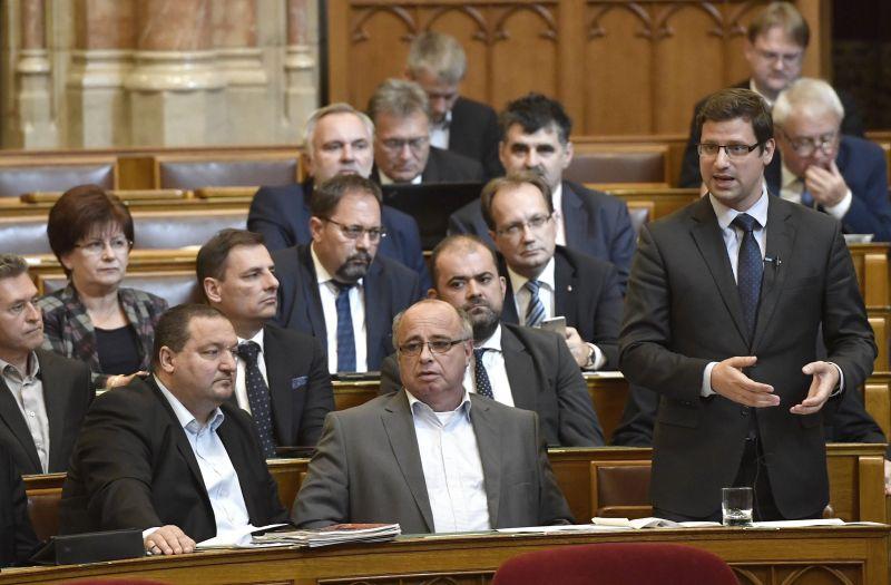 Iránytű Intézet: Féléves mélyponton a Fidesz
