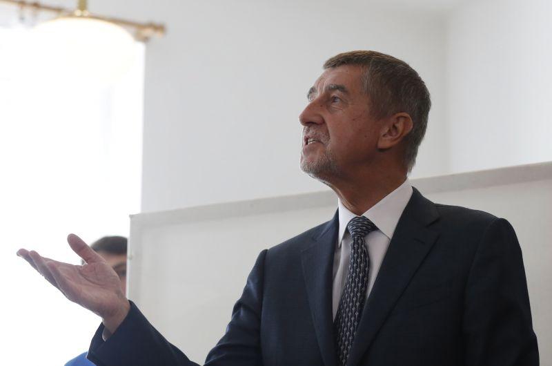 Nyomozás folyik ellene, mégis megnyerte a cseh választásokat Andrej Babiš