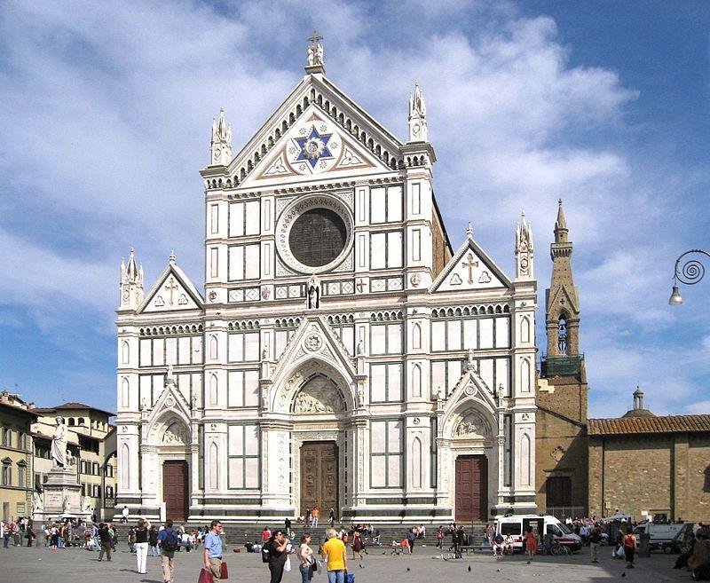 Agyonütött egy turistát a firenzei bazilikában leszakadt kődarab