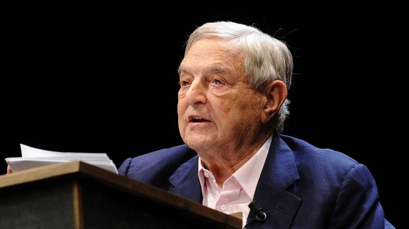 Több mint 18 milliárd dollárt utalt át Soros az alapítványának