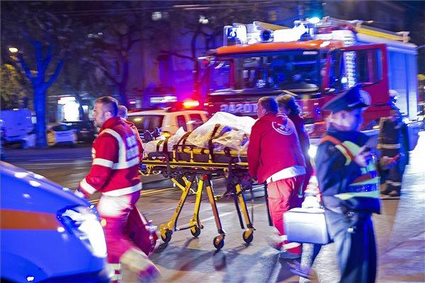 Gyalogosokat sodort el egy autó Zuglóban – négy sérült