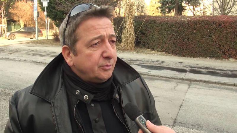Távoznia kellett munkahelyéről a Bayer Zsolt halálán poénkodó egyetemi professzornak