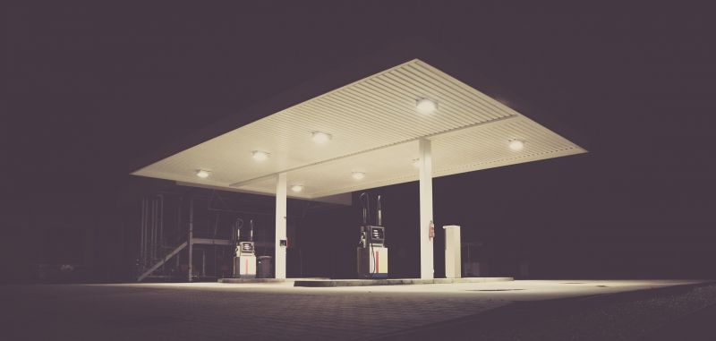 Szinte ingyen lesz a benzin – eláruljuk, mikor és miért