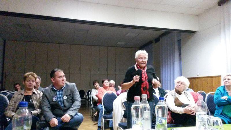 Megpofoztak egy hazaárulózó fidelitasost a DK fórumán