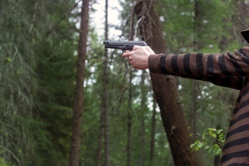 Agyonlőtték a rendőrök a 25 éves Leventét, aki fát lopott