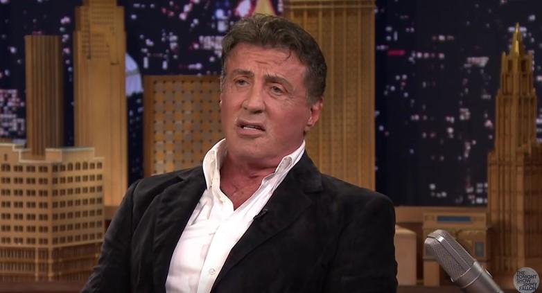 Rendőrségi iratok szerint Sylvester Stallone kiskorú lánnyal szexelt, majd megfenyegette