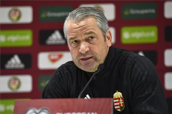 Storck bizakodott, Dzsudzsák furcsán viselkedett a Feröer-elleni meccs sajtótájékoztatóján