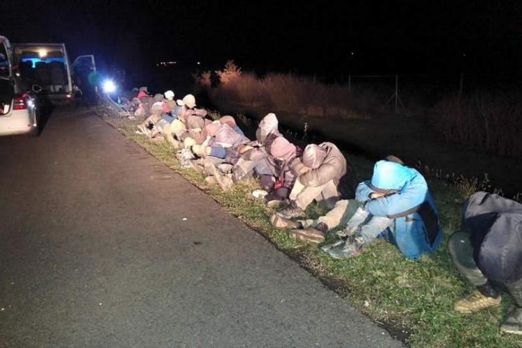 Félszáznál is több menekültet fogtak el az éjjel Baranyában