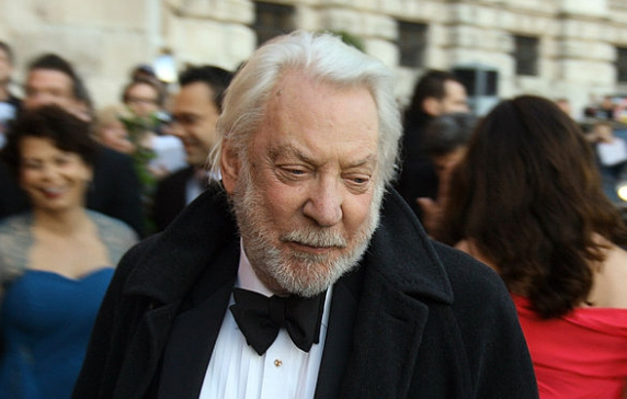 Oscar-díjat kapott életművéért Donald Sutherland