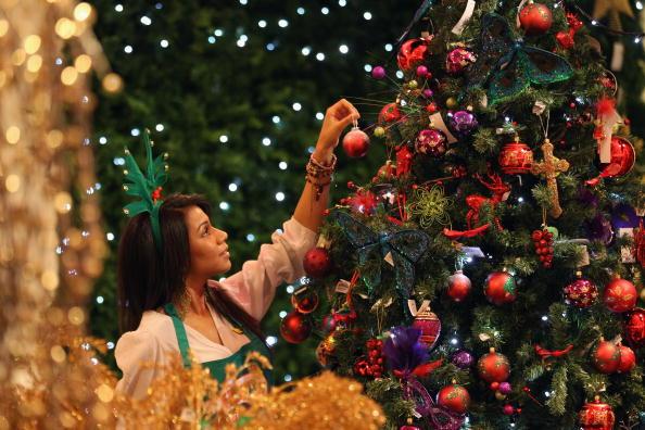 Nahát! Boldogabbak azok az emberek, akik már korábban feldíszítik a karácsonyfájukat
