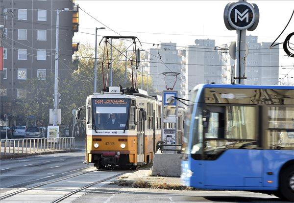 Elindult a metrófelújítás – egyelőre nincs káosz, de a villamosok már késnek