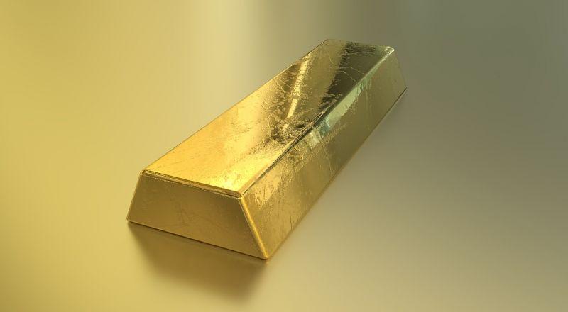 100 milliós károkat okozott azzal, hogy kamu aranyat árult