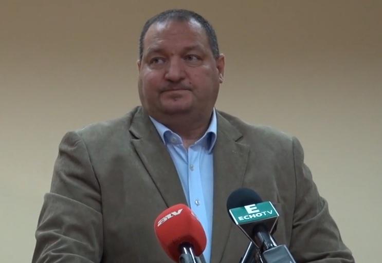 Háta mögött alázták a parlamentben a gyanútlan Németh Szilárdot