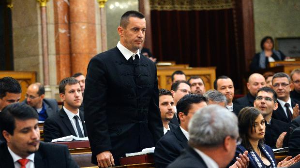 """A párt alelnöke szerint a Jobbik nem """"cigányozok"""" és nem """"buzizik"""""""