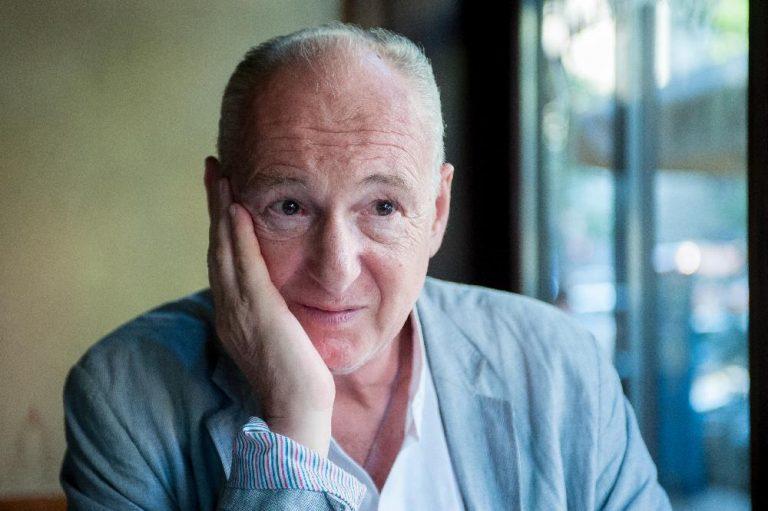 Egy újabb ismert színházi rendezőt vádolnak szexuális zaklatással