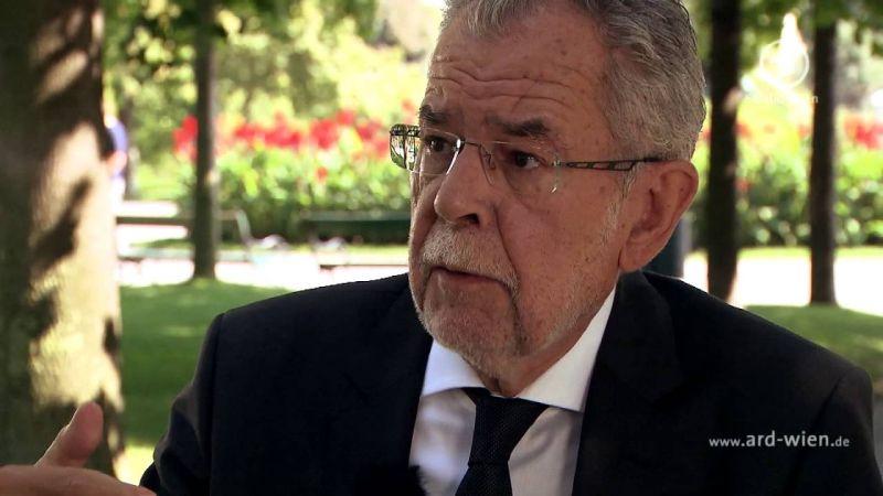 Magyar diplomatát sejtenek a most kirobbant osztrák kiszivárogtatási botrány hátterében