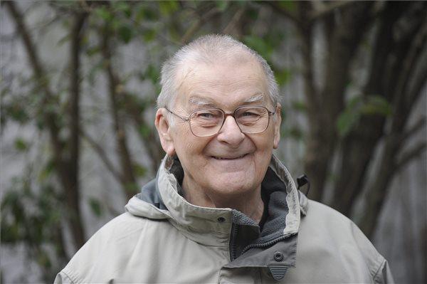 Elhunyt Vasadi Péter Kossuth-díjas író, költő
